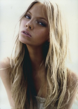 SKYE STRACKE – DNA Modelsskye model
