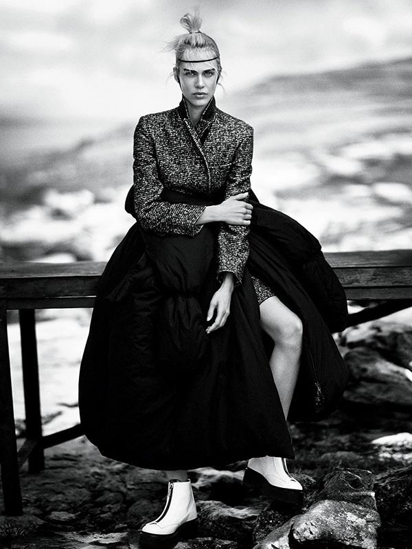 AV.Vogue.Japan.Jan.2015.06